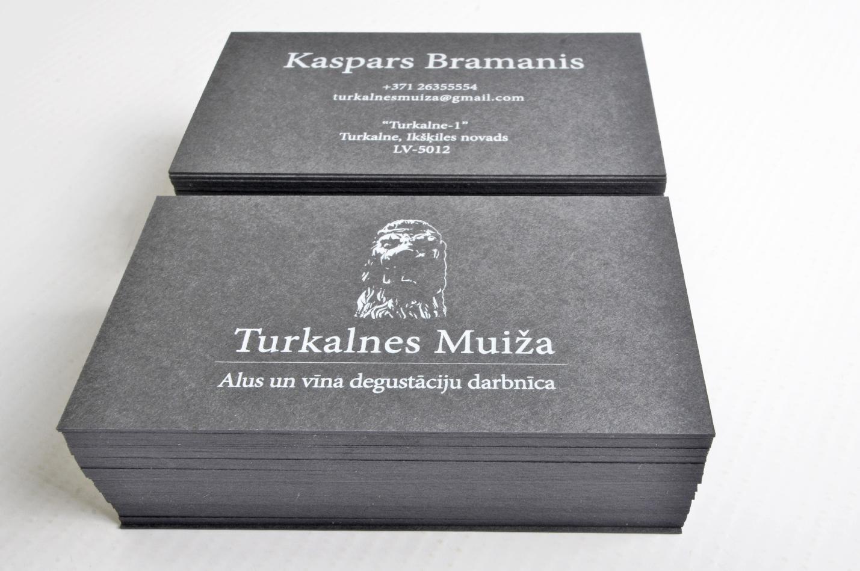 vizītkartes druka ar baltu