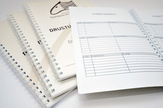 dienasgrāmatas melnbaltā druka